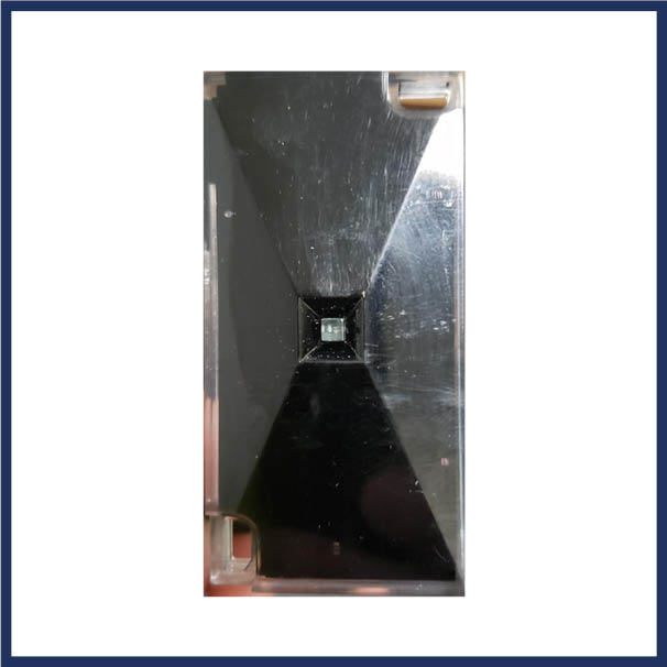 Linear gate proximity reader.  Read range up to 6 inches. Tamper-resistant epoxy potting. Indoor and outdoor operation.
